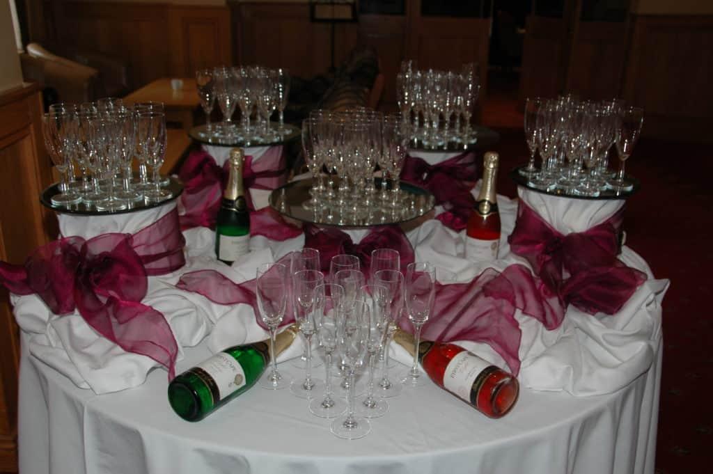 Champagne in Foyer